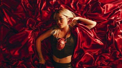 """Apie laimingą vienatvę singlą išleidusi Rita Ora: """"Vienišumo jausmas galiausiai tampa pilnatve"""""""