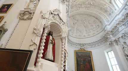 Kaune apvogta koplyčia: dingo ikona ir medinė Kristaus skulptūra