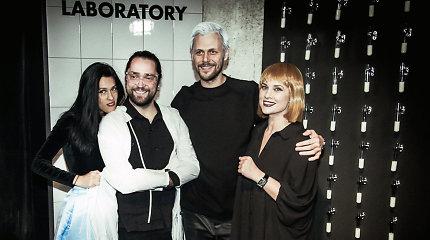 """Helovinas su """"2ru2ra"""": chemijos laboratorijoje šėlo ir I.Jankauskaitė su širdies draugu"""