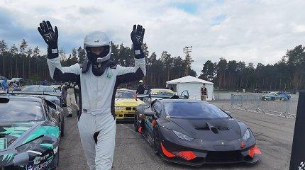"""Sekmadienį Lietuvos lenktynininkai Rygoje kaitino asfaltą: lietuvis Sim Racer su """"Lamborghini"""" pagerino rekordą"""