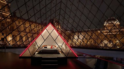 Kartą gyvenime pasitaikanti proga: siūloma pernakvoti Luvro piramidėje