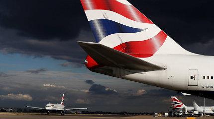 """""""British Airways"""" pilotams atšaukus streiką, rugsėjo 27 dieną įvyks maždaug pusė skrydžių"""