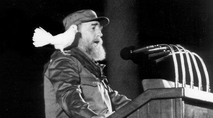 Dvigubas Fidelis: ką nuo savo tautos slėpė komandantė
