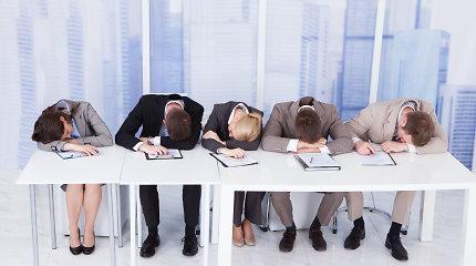 4 patarimai, kaip visą dieną išlikti darbingiems: svarbu ir užkandžiai, ir kėdė