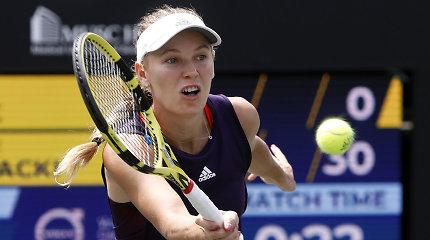 Caroline Wozniacki kovos dėl pirmojo sezono trofėjaus Čarlstone