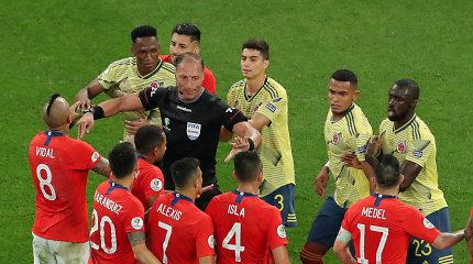 """Aistringa """"Copa America"""" – muštynės ir Čilės triumfas po baudinių serijos"""