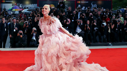 """""""Vogue"""": šios 10 moterų 2018-aisiais rengėsi geriausiai"""