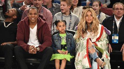"""Beyonce ir dukros Blue Ivy nepastebėti neįmanoma: renginyje akį traukė filmo """"Liūtas karalius"""" drabužiais"""