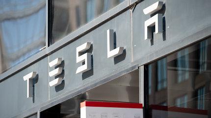 """""""Tesla"""" užsakovams antrąjį ketvirtį pristatė rekordinį elektromobilių skaičių"""