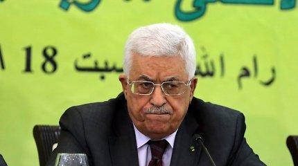 """ES smerkia """"nepriimtinus"""" Mahmudo Abbaso komentarus apie Holokaustą"""