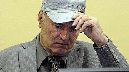 """Tribunolas paskelbs istorinę nutartį genocidu kaltinamo """"Bosnijos skerdiko"""" R.Mladičiaus byloje"""