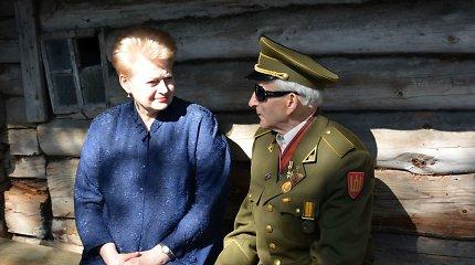 """D.Grybauskaitė pagerbė partizaną Juozą Jakavonį-Tigrą: """"Darysime viską, kad partizanai išliktų mūsų atmintyje"""""""