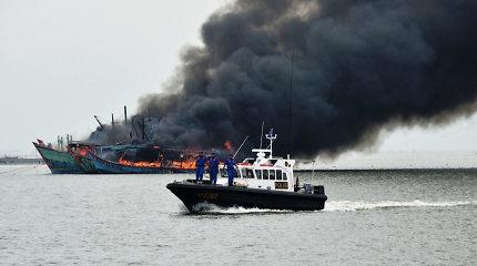 Indonezijoje sunaikintas 81 konfiskuotas užsienio žvejų laivas