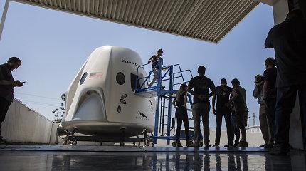 """NASA auditoriai abejoja """"SpaceX"""" ir """"Boeing"""" kosminių kapsulių saugumu"""