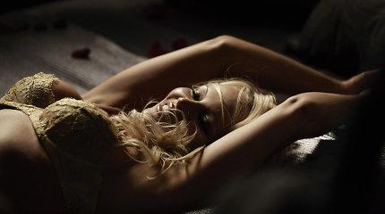 49-erių Pamela Anderson – erotiškoje apatinių fotosesijoje