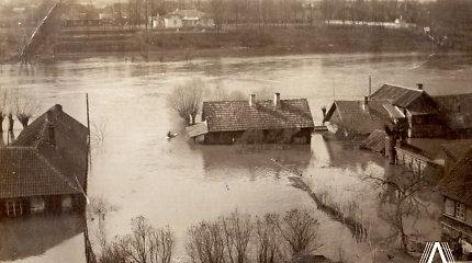 Valtimi po Vilniaus senamiestį: pamatykite, kaip atrodė Vilnius per didįjį 1931-ųjų potvynį