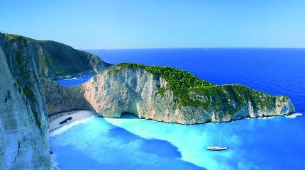 Nauja atostogų kryptis Graikijoje: gražiausi Kefalonijos paplūdimiai ir kvapą gniaužiančios olos