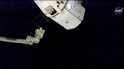 """""""SpaceX"""" kalėdinė krovinių siunta pasiekė TKS"""