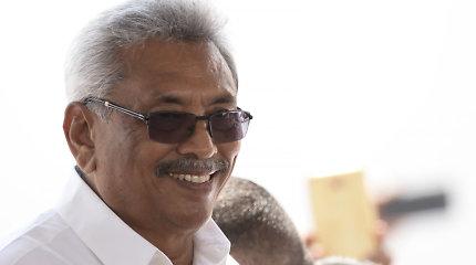 Šri Lankos prezidentas paskyrė ministrų kabinetą ir premjeru prisaikdino savo brolį