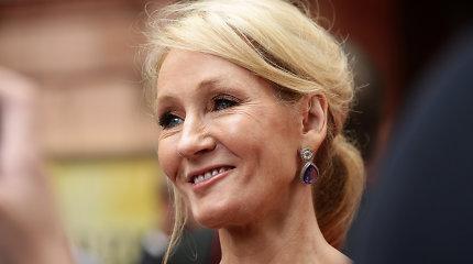 Britanijoje pasipiktinta bandymu išteisinti smurtautoją prieš J.K.Rowling
