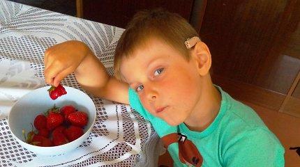 Penkiametis Lukas norėtų girdėti geriau, o valstybė sako – pakentėk dar dvejus metus