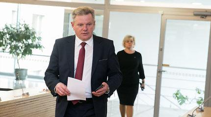 """R.Karbauskis nemano, kad J.Narkevičius vertas interpeliacijos: """"Ministrą galėjo pakišti"""""""