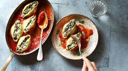 Skaniai paminėkime Tarptautinę makaronų dieną: nuo salotų iki kekso. 30 receptų