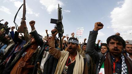Jemeno husiai atmeta JAV sprendimą paskelbti sukilėlius teroristais