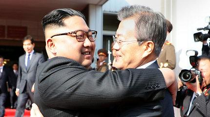 Įstrigus deryboms su Šiaurės Korėja, Pietų Korėjoje mažėja pritarimas susivienijimui
