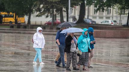 Orai.lt: lietus su perkūnija tęsis ir kitos savaitės pradžioje, bus vėsiau