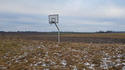 Nykstantis šimtmečio Lietuvos kaimas: užarti takai į gimtinę, sienojai be atminties