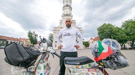 Po Europą motoroleriu keliaujantį italą nustebino Kaunas