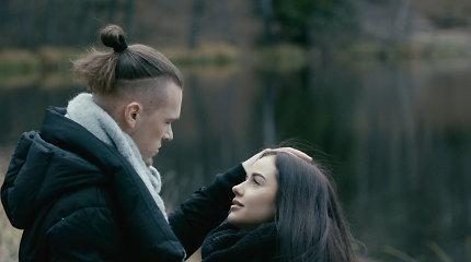 """Iglės Bernotaitytės ir Tado Juodsnukio pirmo bendro klipo """"Kvepia namai"""" filmavimas"""