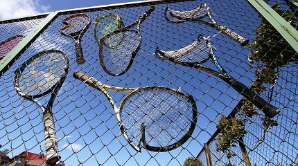 Sporto departamento bendrovė be konkurso nuostolingai nuomojo Palangos teniso aikštyną ir viešbutį