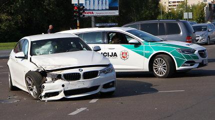 """Panevėžyje per raudoną šviesą važiavęs BMW susidūrė su """"Citroen"""""""