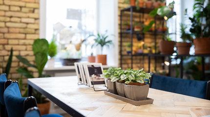 """Kava tarp gėlių kavinėje-parduotuvėje """"Gėlės ir kava"""""""