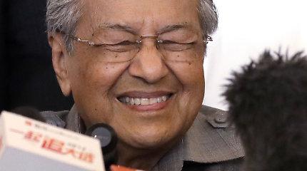 Malaizijos premjeras siūlo sukurti bendrą Azijos prekybos valiutą