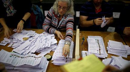 Airijoje po atkaklių visuotinių rinkimų pradedamas balsų skaičiavimas