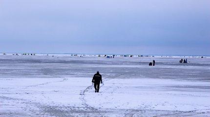 Kuršių mariose 9 žvejai nustebo, kad žūklė 600 metrų nuo Lietuvos kranto gali baigtis bauda