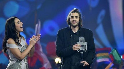 """""""Eurovizijoje"""" triumfavo Portugalija: šlovėje maudosi charizmatiškasis Salvadoras Sobralis"""