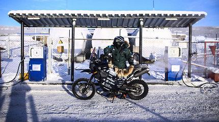"""""""The coldest ride"""": 48 laipsnių šaltis palapinėje ir plyšusi padanga"""