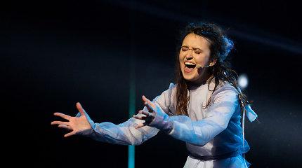 """Debiutinį albumą pristačiusi """"Eurovizijos"""" pusfinalininkė Godo: """"Einu teisingu keliu"""""""