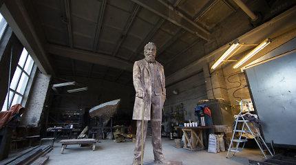 Skulptorius G.Piekuras apie J.Basanavičiaus paminklą: nustebęs, bet nenuliūdęs