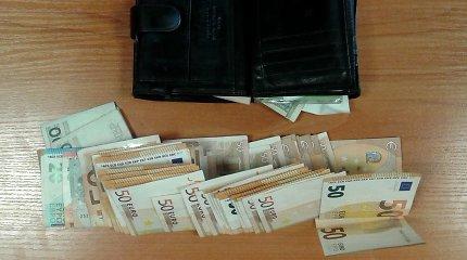 Skambiai pradėta 1000 eurų kyšio reikalavusio policininko byla tyliai baigta be realios bausmės