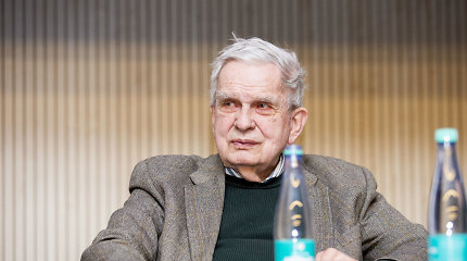 Knygą apie Lietuvos istoriją pristatęs T.Venclova viliasi, kad ją išleis ir kaimynai