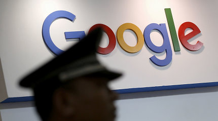 """""""Google"""" nusilenkė prieš Kiniją: kurs cenzūruojantį paieškos variklį"""