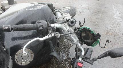 Tragedija Kauno rajone: vyras posūkyje nesuvaldė motociklo, nulėkė nuo kelio ir žuvo