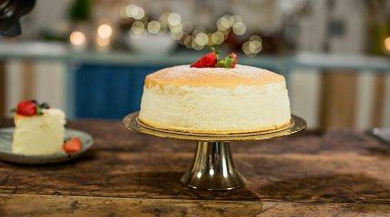 Internete išpopuliarėjęs japoniškas pyragas – B.Nicholson virtuvėje: tokio niekur ragauti neteko