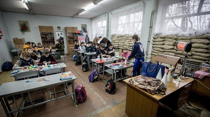 Karo pamokas išmokę ukrainiečių moksleiviai: norėtume pasimokyti Lietuvoje
