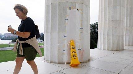 Vašingtone vandalai aprašinėjo Lincolno memorialą